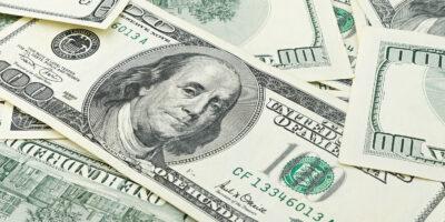 Dólar abre em queda de 0,4%, negociado a R$ 5,62
