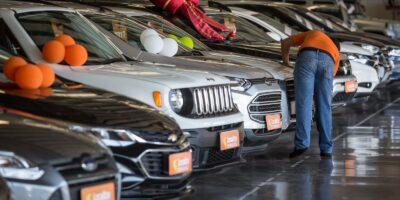 Venda de veículos recua 74,6% em maio, diz Fenabrave