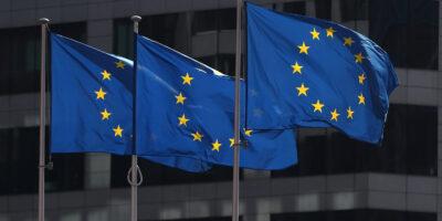 UE aprova pacote de 750 bilhões de euros em estímulos econômicos