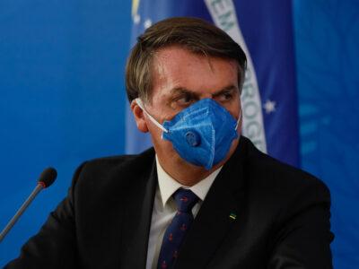 Bolsonaro diz que testou positivo para coronavírus