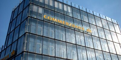 CEO e presidente da Commerzbank cedem à pressão e renunciam