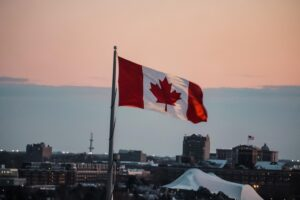 PIB do Canadá cai 38,7% no segundo trimestre, pior resultado na história