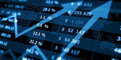 Ibovespa sobe 2,82%, acima dos 102 mil pontos, com reforma e fiscal