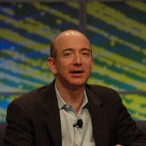 Jeff Bezos é o primeiro a ter uma fortuna de US$ 200 bilhões