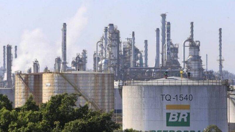 Petrobras (PETR4) vende campos terrestres no ES por US$ 155 milhões