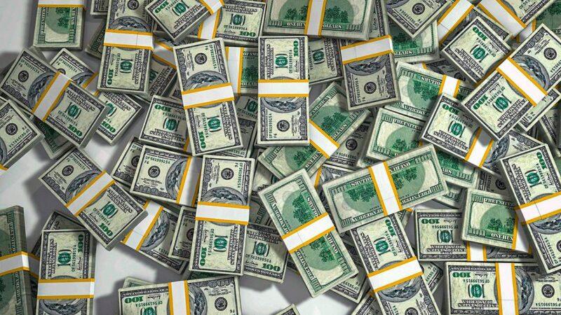 Dólar encerra em alta de 1,25%, cotado em R$ 5,682