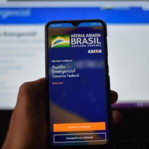 Coronavoucher: Caixa paga auxílio de R$ 300 para Bolsa Família com final 3