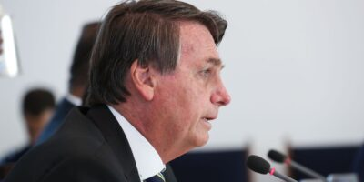 Jair Bolsonaro sanciona prorrogação de incentivos fiscais às montadoras de veículos