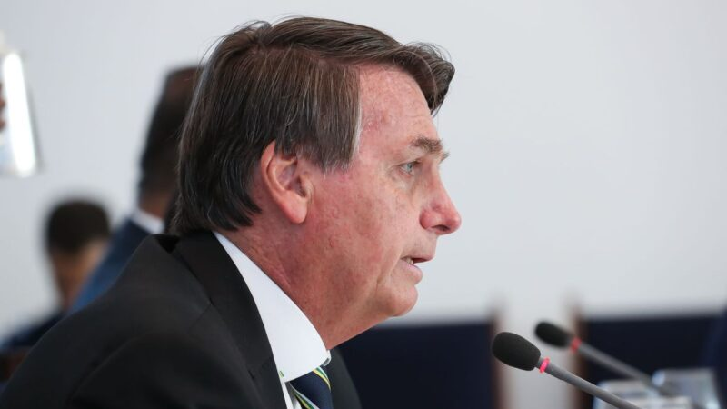 Bolsonaro autoriza retomada das discussões sobre Renda Brasil, diz jornal