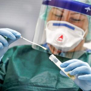 China planeja produzir 1 bilhão de doses de vacina em 2021