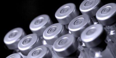Coronavírus: Rússia dividirá riscos legais da vacina com fabricantes