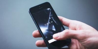 """Uber: passageiros devem fazer """"selfie"""" para provar o uso da máscara"""