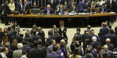"""Reforma administrativa: """"Não se pode esperar para cortar privilégio"""", diz Uebel"""