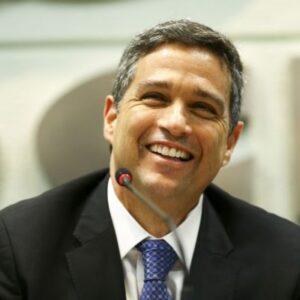 Pix reduzirá custos para as empresas, segundo Campos Neto
