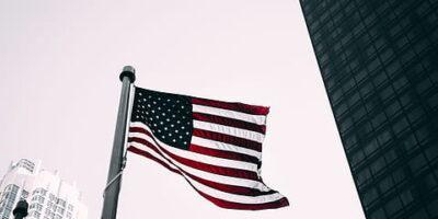 Dívida pública dos EUA pode superar 100% do PIB, diz Congresso