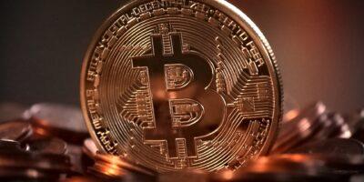 """Bitcoin """"não vai adiante"""", diz ex-presidente do Banco Central"""