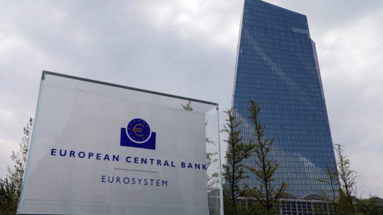 """Meta de inflação da zona do euro """"está distante"""", informa BCE"""