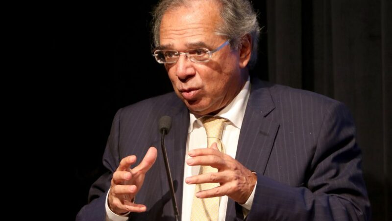 """""""Enquanto não tiver solução melhor, prefiro esse imposto de merda"""", diz Guedes sobre CPMF"""