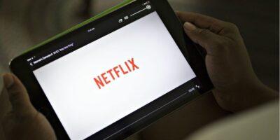 Veja 5 ações que você pode comprar economizando na assinatura do Netflix