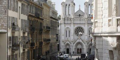 Atentado a faca na França deixa três mortos, incluindo brasileira