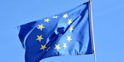 Coronavírus: UE anuncia suporte de 100 bi de euros a empregos de curto período