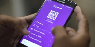 Bancos digitais ultrapassam tradicionais em downloads em 2020, diz UBS