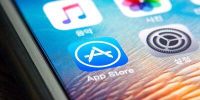 Apple alerta para risco 'material' de pressão regulatória sobre a App Store