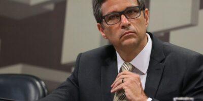 Campos Neto fala sobre aumento de prêmios em LFTs