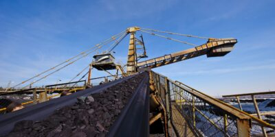 Minério de ferro volta a subir, negociado a 793,5 iuanes a tonelada
