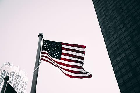 EUA: Pandemia faz déficit orçamentário triplicar no ano fiscal de 2020