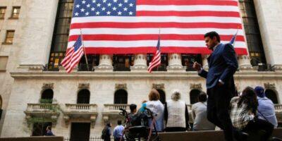PMI composto nos EUA sobe a 55,5 em outubro, maior nível em 20 meses
