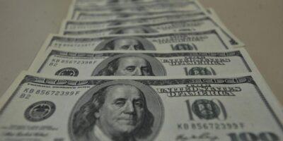 Dólar encerra em alta de 0,13%, cotado em R$ 5,337