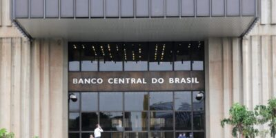 """BC: """"choque fiscal explica parte da depreciação cambial dos países emergentes"""""""