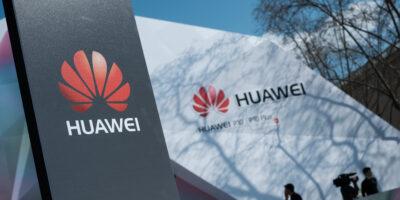 Bolsonaro considera banir Huawei de rede 5G do Brasil, diz agência