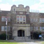 Nova York reabrirá escolas, após menos de duas semanas de fechamento