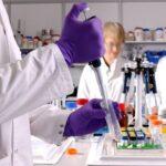 Reino Unido deve aprovar vacina da Pfizer em poucos dias