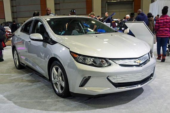 General Motors acelera lançamento de veículos elétricos