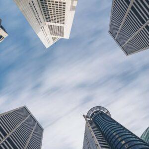 FIIs: Veja os fundos imobiliários que mais subiram em abril
