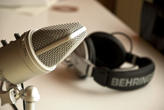 Amazon negocia compra de produtora de podcasts Wondery, diz jornal