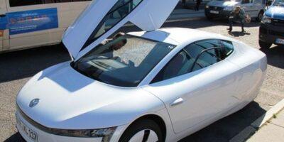 Volkswagen: conselho apoia foco em carros elétricos; ações disparam
