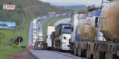 Entidades ameaçam nova greve dos caminhoneiros a partir de 1º de fevereiro