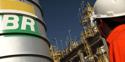 Petrobras (PETR4) reabre plano de demissão voluntária
