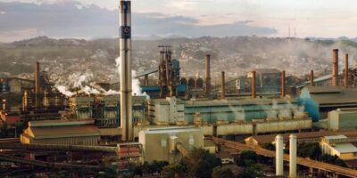 Venda de aço plano cresce 6,6% em 2020; ações do setor despencam