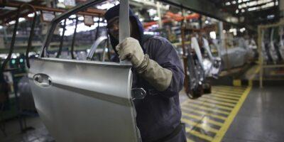 Produção industrial cresce 1,2% em novembro, acima do nível pré-pandemia
