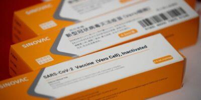 Governo federal começa hoje distribuição da vacina CoronaVac