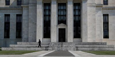 Salto recente na covid-19 preocupa, mas vacina reduz riscos para 2021, diz Fed