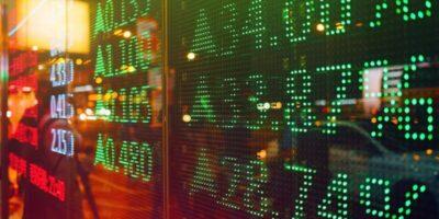 S&P 500 encerra em nova máxima histórica, a 3.855 pontos