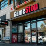 Ações da GameStop disparam 83% na semana e pressionam vendidos; entenda