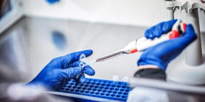 Ações da Moderna tem alta de 9,15% com anúncio da nova vacina contra Covid-19
