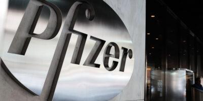 Pfizer voltará ao cronograma original de entrega de vacinas à UE no dia 25